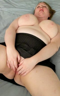 I Love Playing With My Pretty Pussy