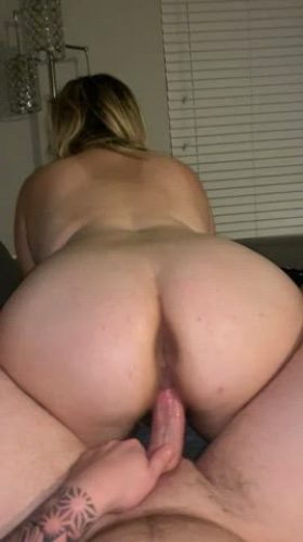Stop Scrolling And Smash The ⬆️ If You Want To Cum In This Chubby Pussy